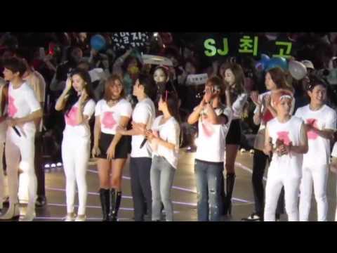 Yulhae Moment [Yuri and Donghae] - 150321 SMTOWN Taiwan