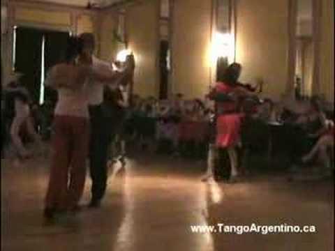Baile de padres e hijas en la milonga