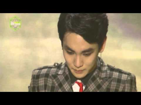 Best Artist of The Year Award - SHINee @ 2013 Melon Music Awards