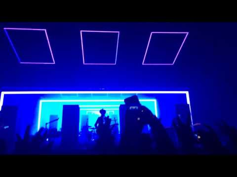 The 1975 // Robbers live, the O2 arena, London, 16.12.2016