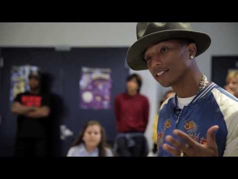 Baixar Pharrell Surprises Schoolchildren - HAPPY DAY
