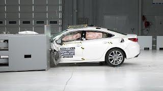 2016 Mazda 6 driver-side small overlap IIHS crash test