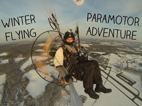 Еден обичен зимски ден на човекот со моторче на грбот
