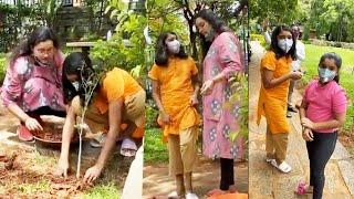 Watch: Renu Desai pre- plantation with her daughter Aadhya..