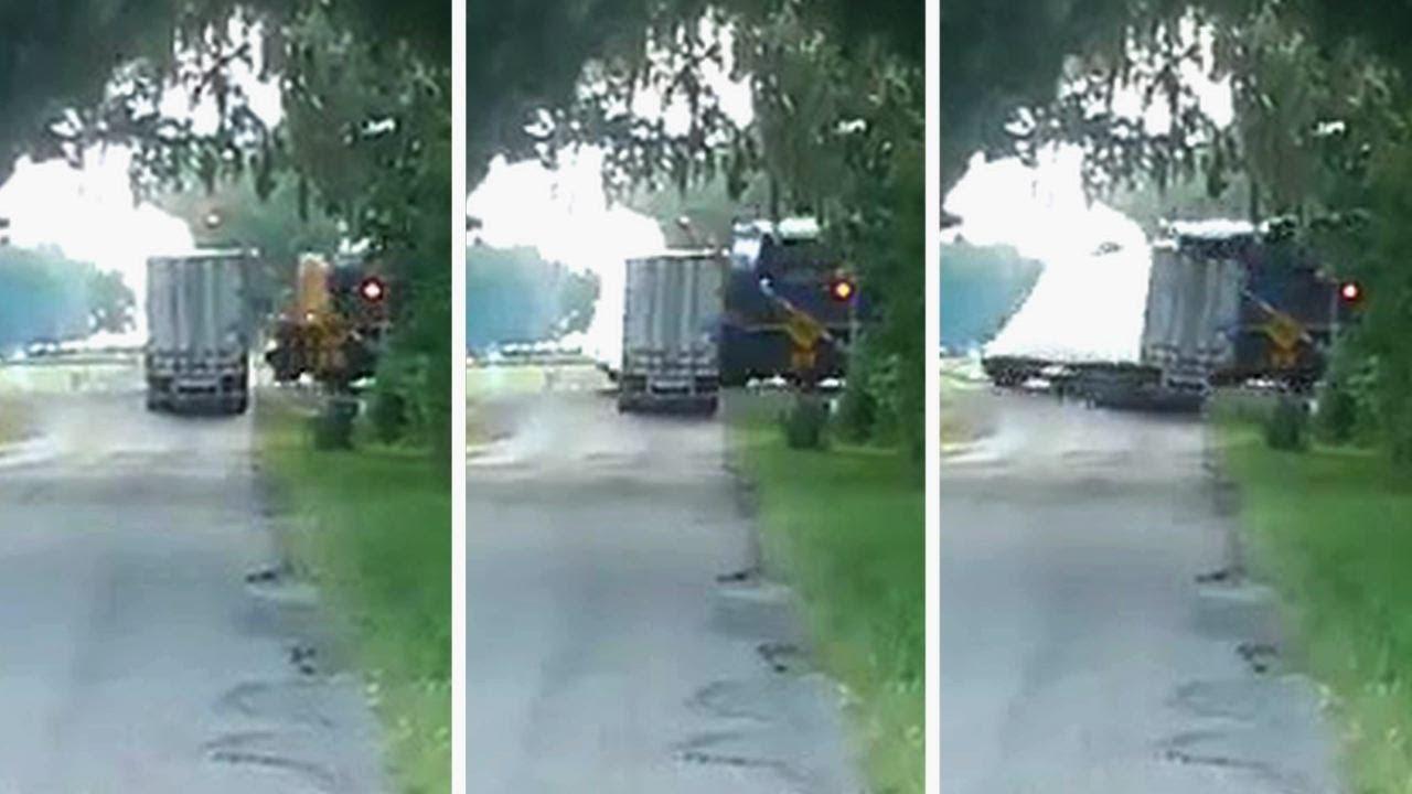 Un train percute un camion rempli de pastèques