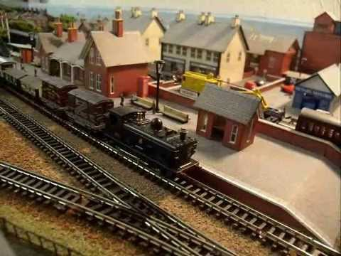 Graham Farish N Gauge Pannier Tank locomotive
