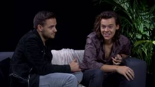 Harry Styles being gay for 3 minutes