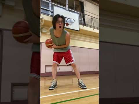 Guy dribbling to his own song