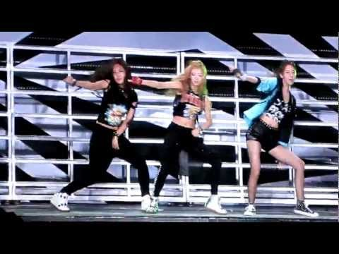 120818 Dance Battle SNSD Yuri Hyoyeon Yoona TVXQ Yunho SMTown Seoul