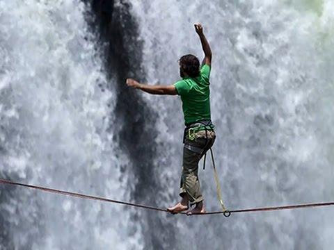 Ludilo hrabrih : hod po žici preko vodopada