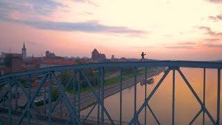BNT 151 Toruńskie pierniki (climbing on the bridge)