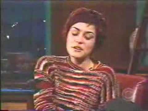 Shannyn Sossamon - [Mar-2002] - interview - YouTube