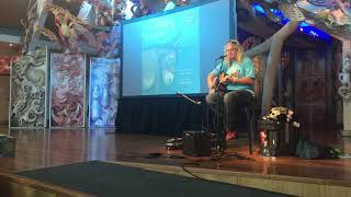 CRAIG SMITH - Wonky Donkey ( & introduction) - live@Te Papa 24th April 2019