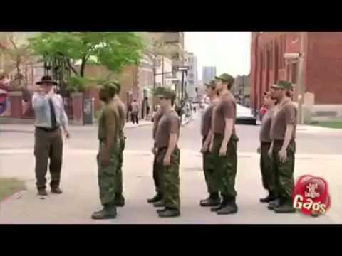 Soldados medio raros...
