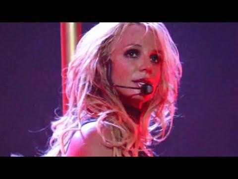 Britney Spears - I'm a Slave 4 U (Live From Las Vegas)