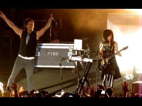 Skillet - Those Nights - [Live] Soulfest 2013 - Dr. Pepper Story Intro