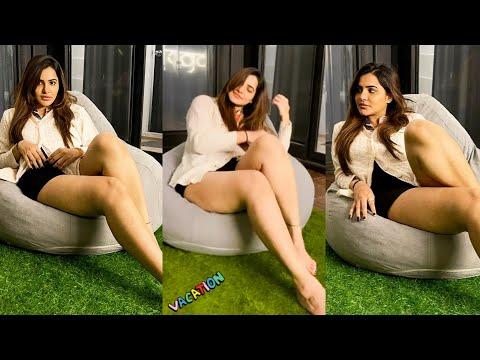 Bigg Boss fame Ashu Reddy's stunning looks throbs hearts