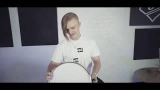 Surprising Simon Crahan with a snare in dedication to his sister | SJC Custom Drums