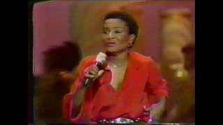 "Solid Gold (Season 1 / 1981) Viola Wills - ""If You Could Read My Mind"""