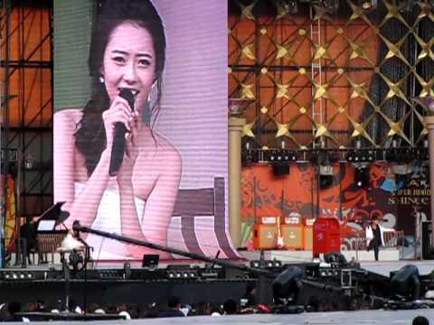 [Fancam] Kangta - 7989 feat. Go Ara (10.08.21 SM Town Live '10 in Seoul)