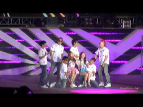 [FANCAM] 220912 SMTown Jakarta 2012 Jessica SNSD feta Krystal f(x) - California Girls