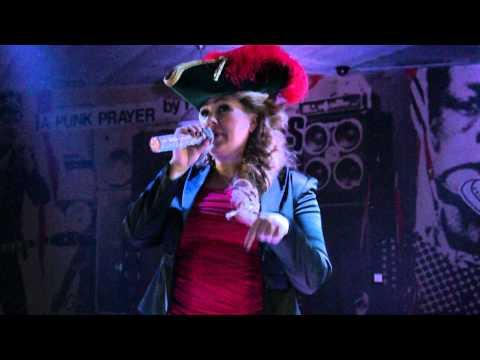 Ева Польна - Корабли [live] in Ekaterinburg 26.11.11[5]