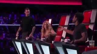 Adam Levine Imitates Shakira - My Hips Don't Lie