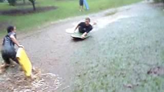Bodyboard en un río