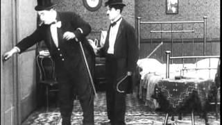 NA FARRA -Charles Chaplin