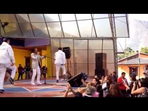 Manolo - El rey de la cumbia romantica