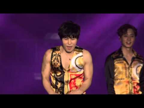 Shinhwa Hyesung vs Dongwan dance battle & members dancing to Up&Down