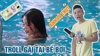 Cùng thụt troll gái tại bể bơi | thử thách dùng ngực uống nước.