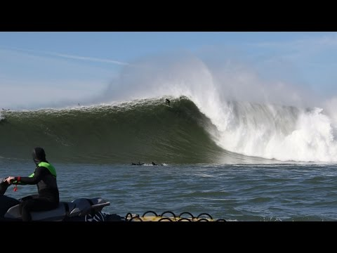 Southern California professional big-wave surfer Nic Vaughan manages what may have been yesterday's greatest wipeout at Mavericks. Video: Travis Kuhlman