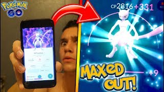 MAXING OUT NEW MEWTWO IN POKÉMON GO! HOW POWERFUL CAN THE LEGENDARY MEWTWO GET?!