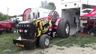 Noise, dirt, power: A day at the tractor pull