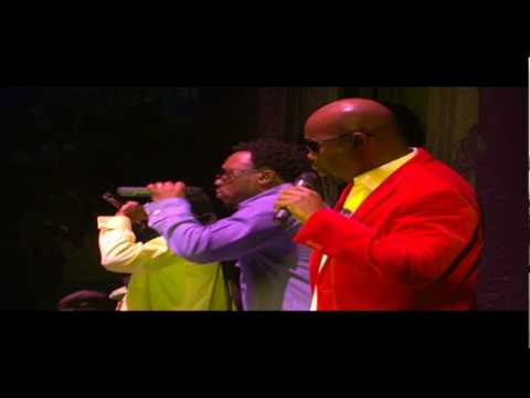 Naturally 7 - Say You Love Me [Live at Madison Square Garden]