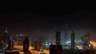 『アースアワー』に参加したドバイのダウンタウンが消灯する様子。徐々に灯りが消えて行く様子が幻想的です。