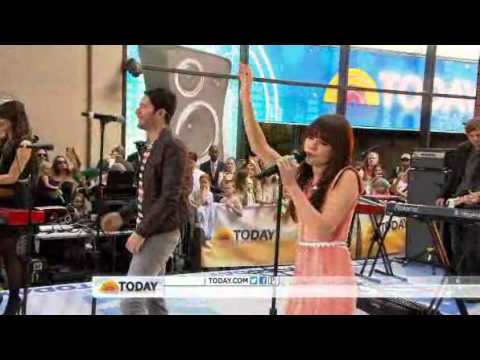 Baixar Owl City & Carly Rae Jepsen performs