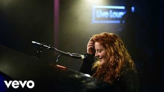 Frances covers Justin Bieber's What Do You Mean? in the Live Lounge