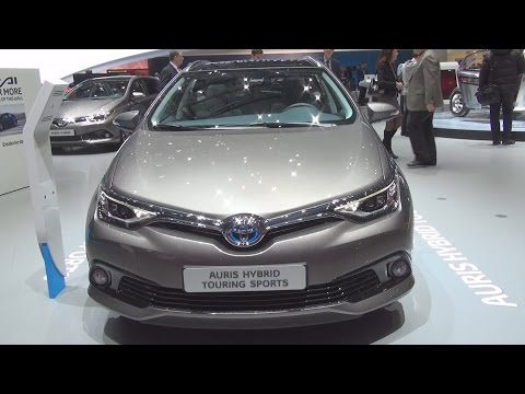 Toyota Auris HSD Touring Sports Style (2016) Exterior and Interior in 3D