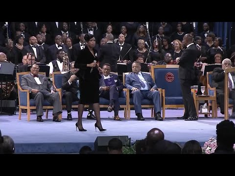 WATCH: Jennifer Hudson performs 'Amazing Grace' at Aretha Franklin's funeral