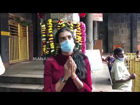 PV Sindhu offers prayers at Simhachalam temple