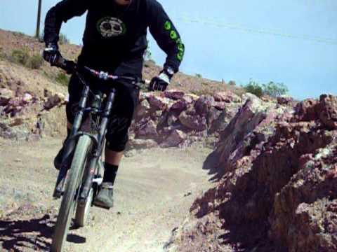 MTB Downhill cornering technique