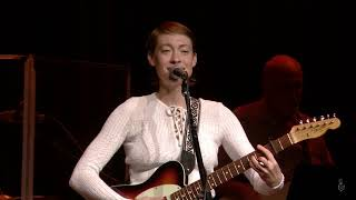 Anna Burch - 2 Cool 2 Care (Live on eTown)