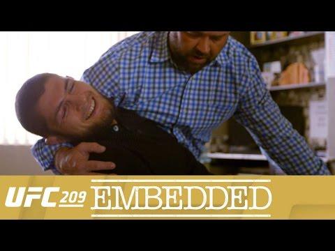 """UFC 209 Embedded, odc. 3 i 4: """"Mike Tyson to Mike Tyson"""""""