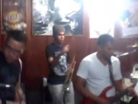 Baixar Comando do forró ensaio - Revanche (Banda torpedo) 08/08/2014