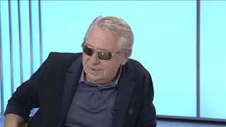 Бывший руководитель Омской студии телевидения Александр Кулинич на записи программы забыл (перепутал) отчество Полежаева
