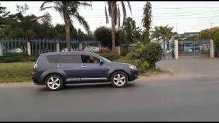 Shocking video of  a lion roaming freely in Nairobi City Kenya
