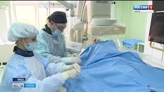 Для омских кардиохирургов сегодня провёл мастер-класс их коллега из Польши