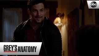 Zola Sees Deluca Leaving Meredith's House - Grey's Anatomy Season 15 Episode 22